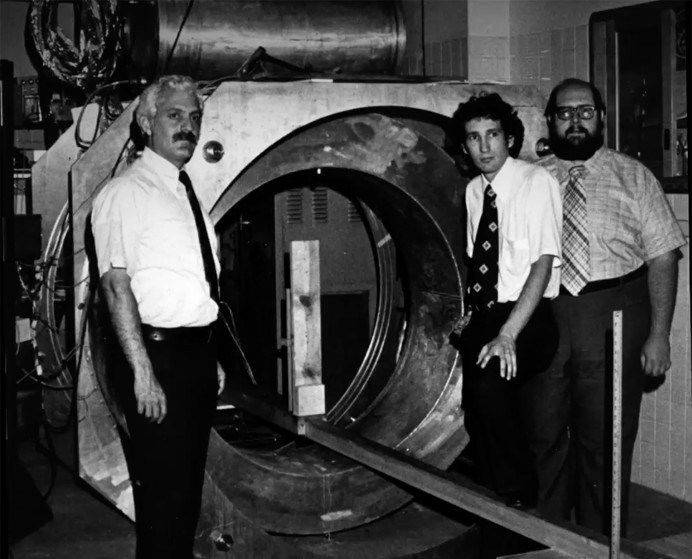 Raymond Damadian and an associate with the first MRI scanner