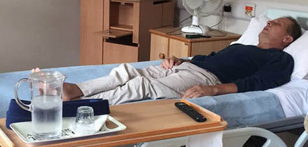 50-year-old lung cancer sufferer in his hospice bed, recovered!